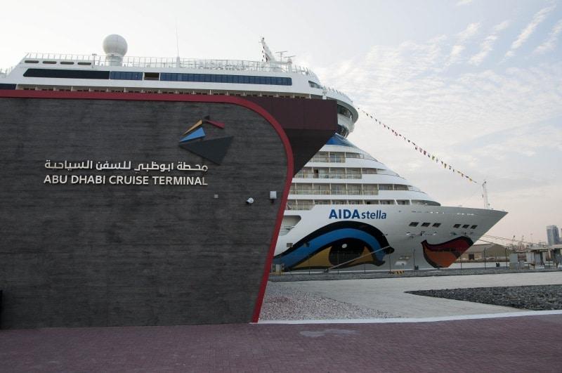 AIDAstella am Abu Dhabi Cruise Terminal