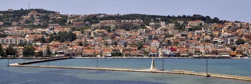 Blick auf Argostoli und die Steinbrücke