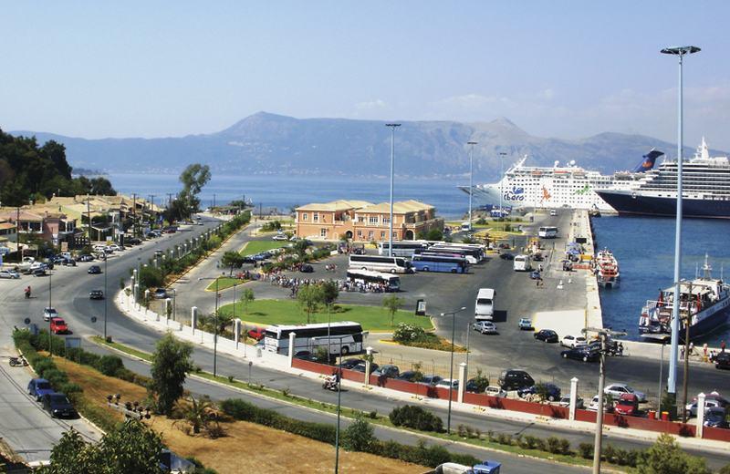 Der Kreuzfahrthafen von Korfu