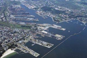Blick auf den großen Hafen