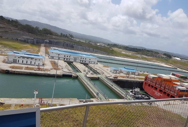 Landausflüge in Colon zu den Agua Clara Locks