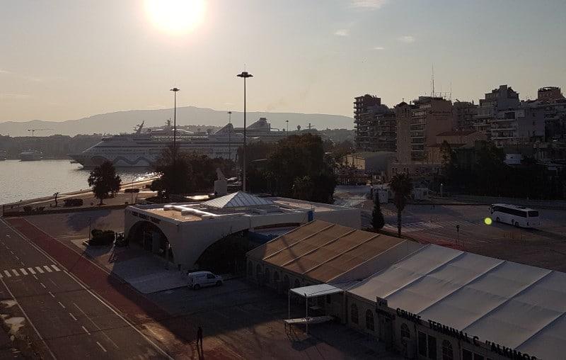 Vom Kreuzfahrthafen von Piräus Athen auf eigene Faust erkunden