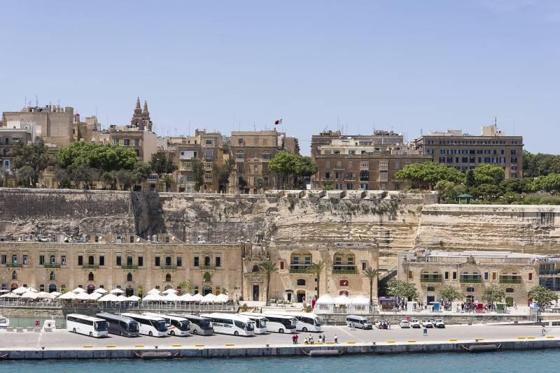 Blick vom Schiff auf die Valletta Waterfronten