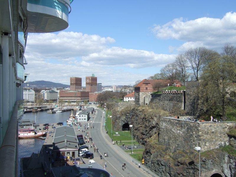 Blick vom Schiff in Richtung Rathaus