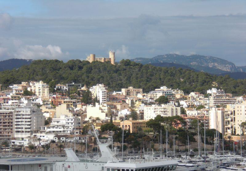 Blick vom Schiff zum Castell de Bellver