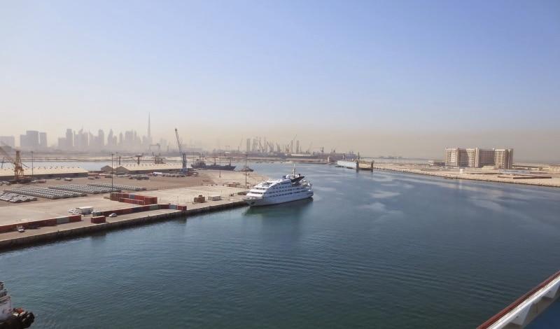 Blick von Port Rashid in Richtung Burj Khalifa