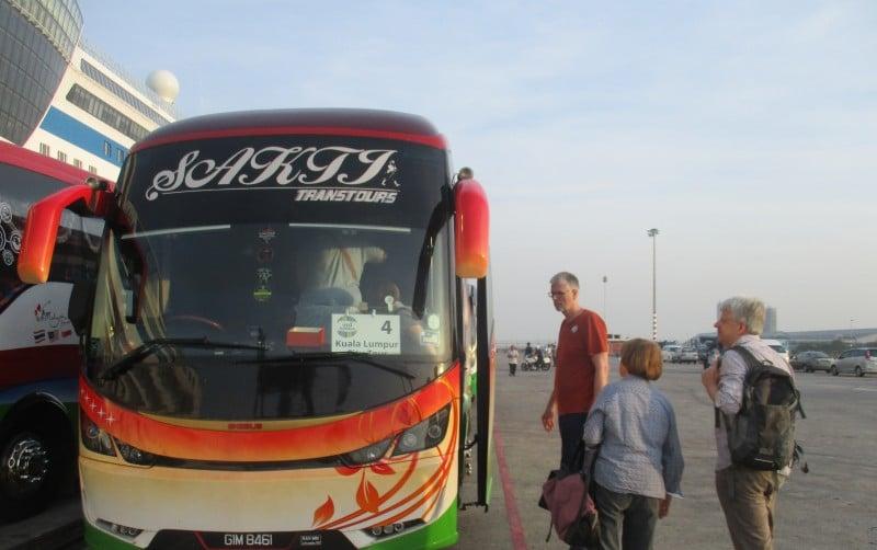 Landausflüge in Port Klang mit einem Bus