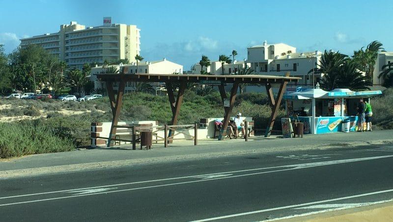Bushaltestelle in den Dünen von Corralejo