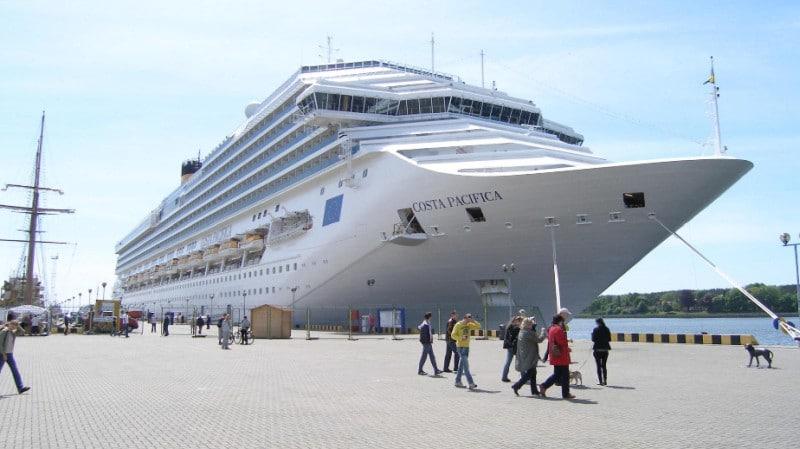 Costa Pacifica am Cruise Vessel Pier