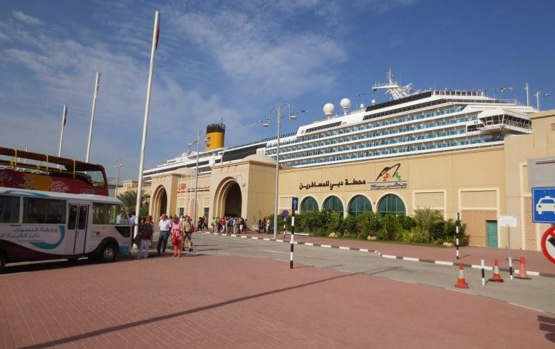 Costa Serena am Dubai Cruise Terminal