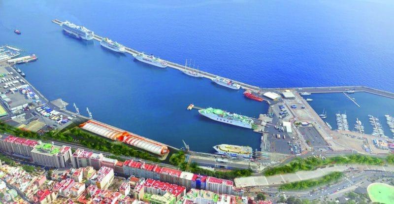 Der Kreuzfahrthafen von Santa Cruz