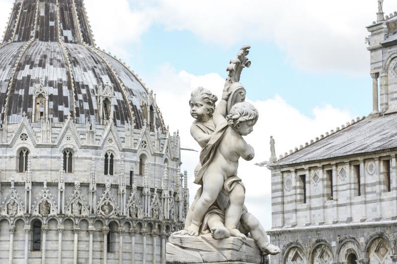 Details von Baptisterium und Dom in Pisa
