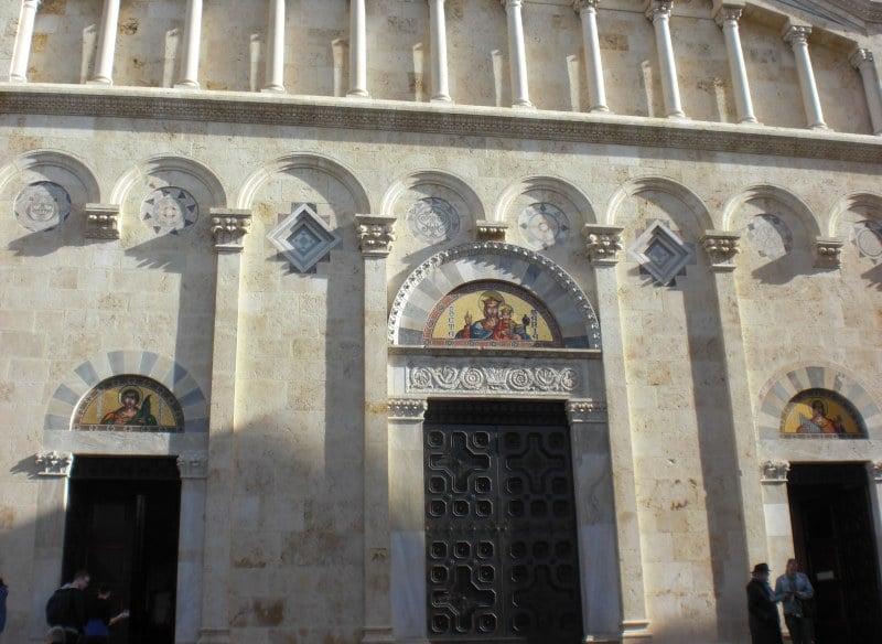 Die neue Fassade der Kathedrale