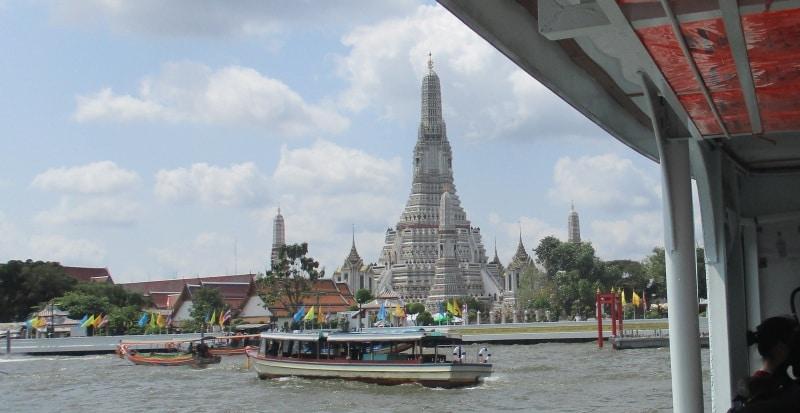 Fähre nach Wat Arun