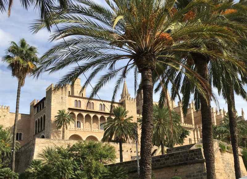 Kathedrale und Königspalast