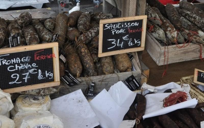 Korsische Wurstspezialitäten auf dem Markt