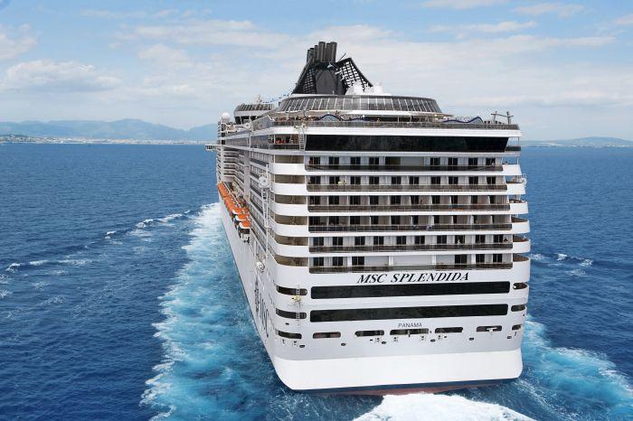 MSC Splendida auf dem Weg zum nächsten Hafen