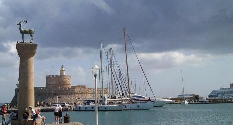 Mandiraki-Hafen