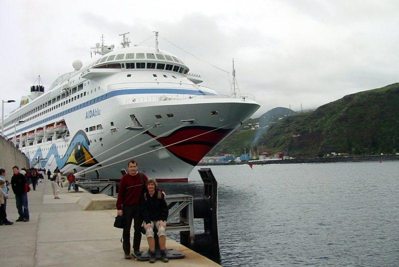 Mit der AIDAblu im Kreuzfahrthafen von Santa Cruz de la Palma