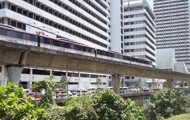 Monorail für Landausflüge in Kuala Lumpur auf eigene Faust