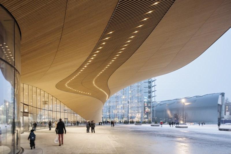 In Helsinki auf eigene Faust zur Zentralbibliothek Oodi