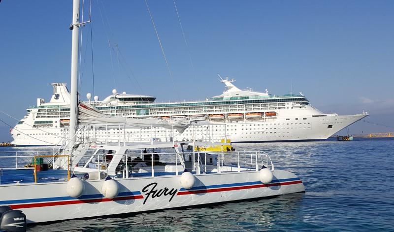 Rhapsody of the Seas am Punta Langosta Pier