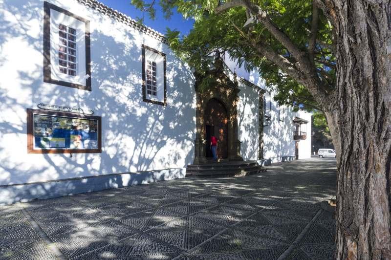 Ein Bummel in Santa Cruz ist auf La Palma auf eigene Faust möglich