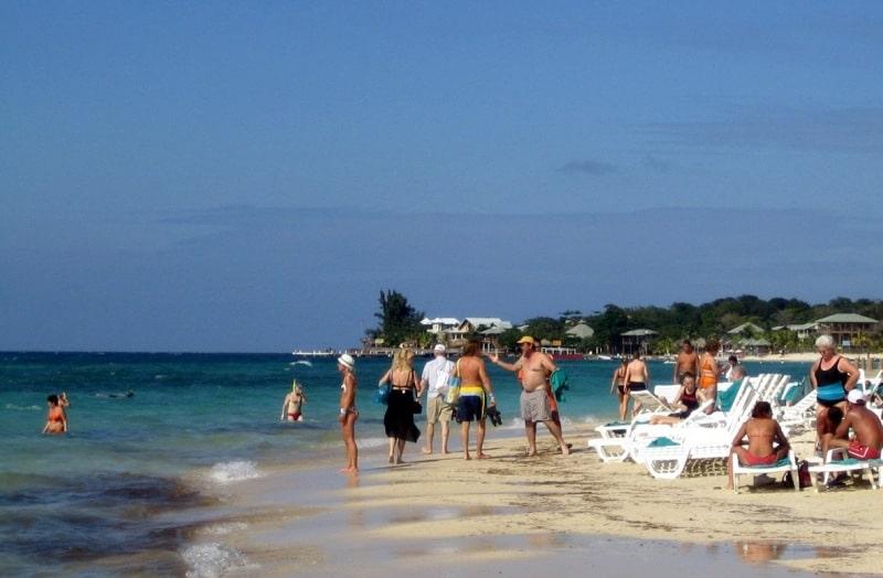 Schnorcheln an West Bay Beach