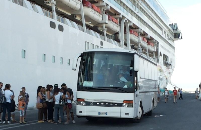 Shuttlebus ins Stadtzentrum