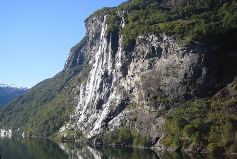 """Die """"Sieben Schwestern"""" im Geirangerfjord"""