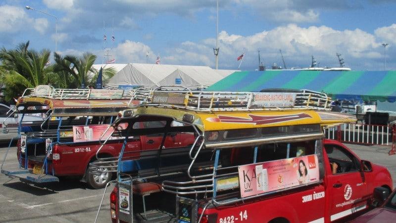 Koh Samui auf eigene Faust mit einem Songthaew Taxi