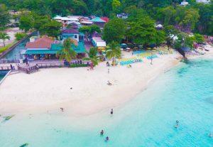 Strand vom Island Village