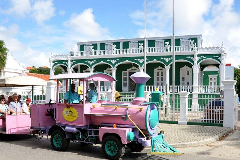 Curacao auf eigene Faust mit dem Trolley Train